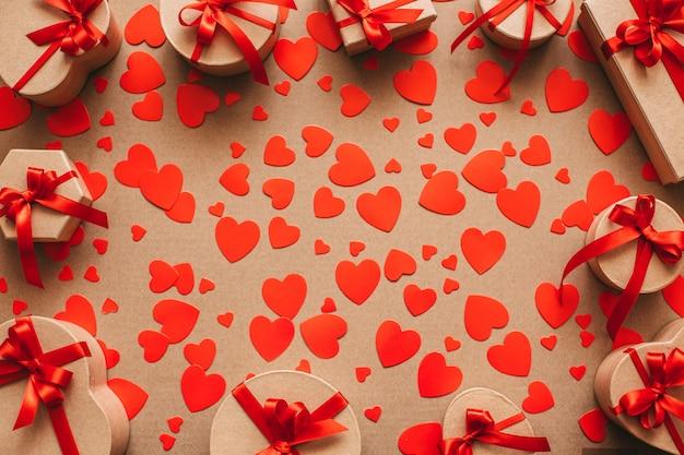 Подарки сердцу. любовь. Premium Фотографии