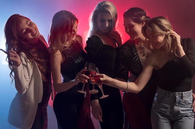 Подружки на вечеринках Бесплатные Фотографии