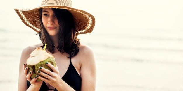 Концепция релаксации для летних каникул beach beach Бесплатные Фотографии