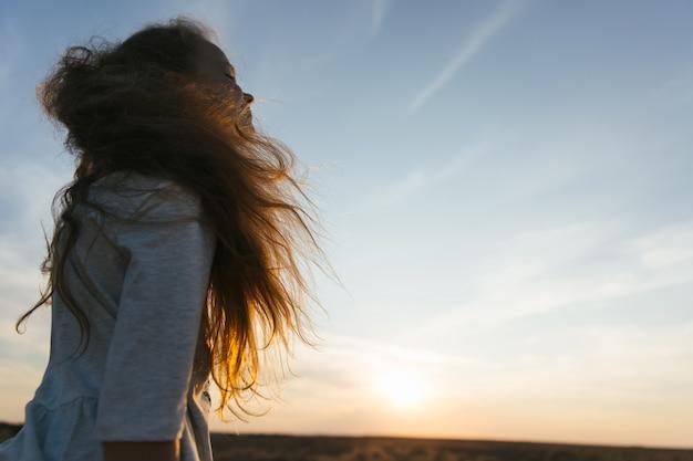 Girl in the field Premium Photo