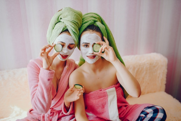Girl with face mask Free Photo
