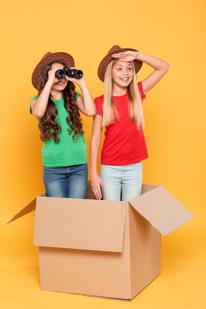Девушки играют исследует роль Бесплатные Фотографии
