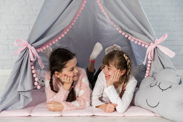 Girls in tent Free Photo