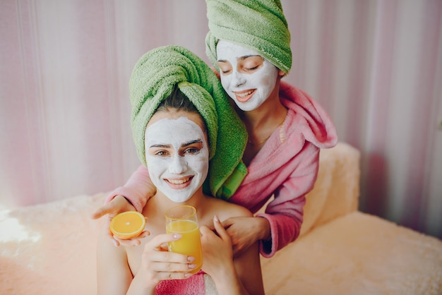 Girls with face mask Free Photo