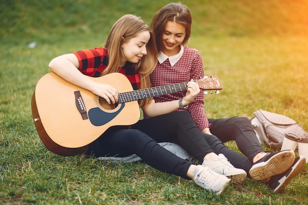 girls with guitar photo free download