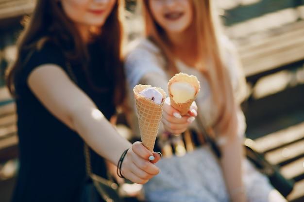 Girls with ice cream Free Photo
