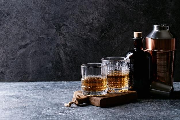Glass of irish whiskey Premium Photo