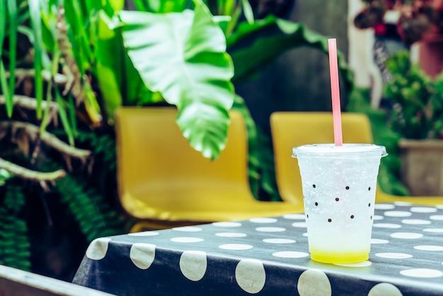 Glass of lemon soda Premium Photo