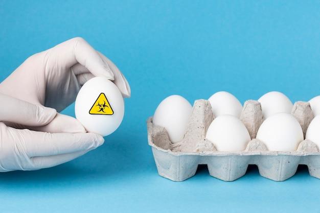段ボール箱の遺伝子組み換え卵食品 無料写真
