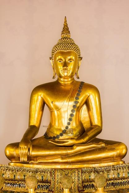 The golden buddha is beautiful that buddhists worship Premium Photo