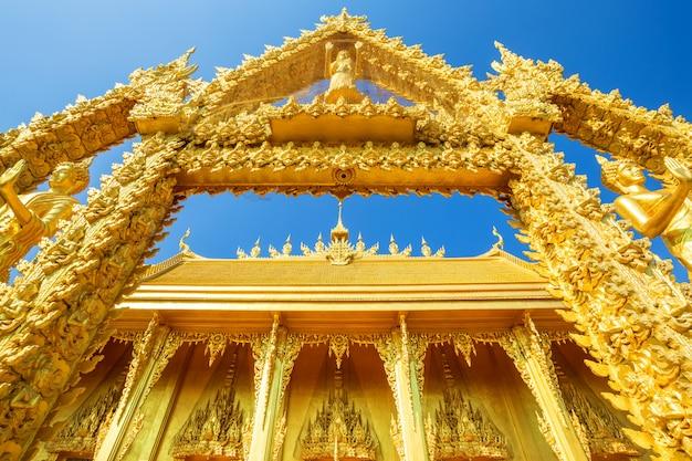 Golden chapel temple of wat pak nam (joe low) is a buddhist temple Premium Photo