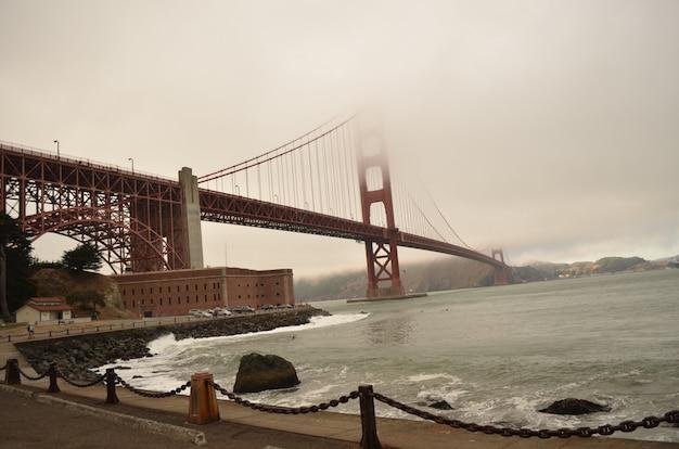 Golden gate, san francisco, on a cloud autumn day Premium Photo