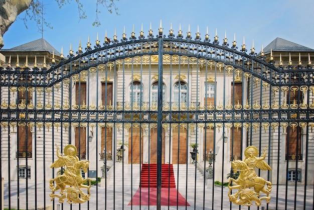 Golden gates in bucharest Premium Photo