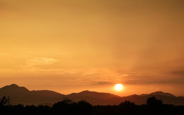 Golden sunset landscape Premium Photo