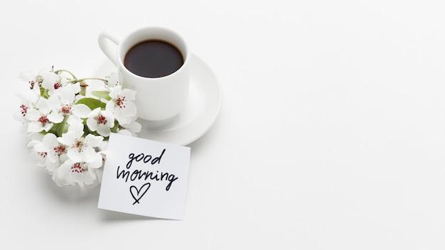 Доброе утро чашка кофе с цветком Бесплатные Фотографии