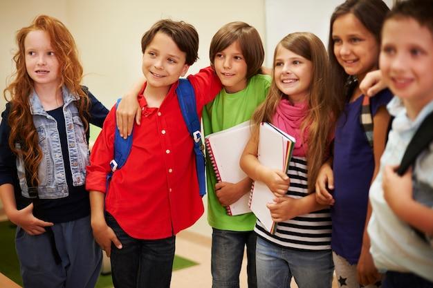 Le buone relazioni tra gli studenti sono molto importanti Foto Gratuite