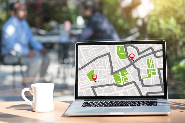 Gpsアイコンnavigaのある場所のストリートマップ Premium写真