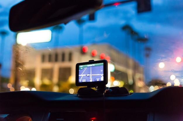 車内のgpsデバイス Premium写真