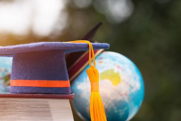 Kết quả hình ảnh cho graduation in abroad