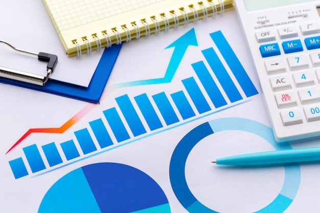 Graphical chart analysis documents Premium Photo