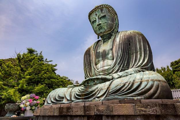 Great buddha statue of kotuku-in temple in kamakura, japan Premium Photo