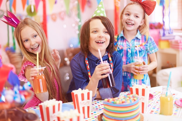 それらの子供のための素晴らしいパーティー 無料写真