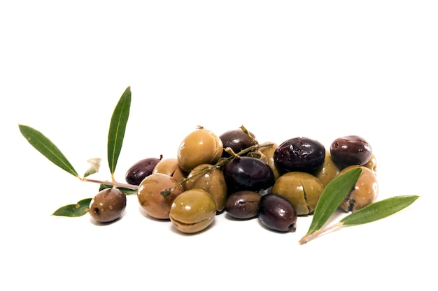 Green and black olives Premium Photo