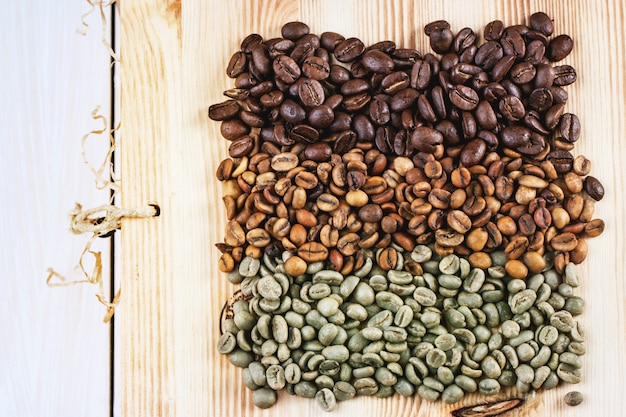 Green and brown coffee beans Premium Photo