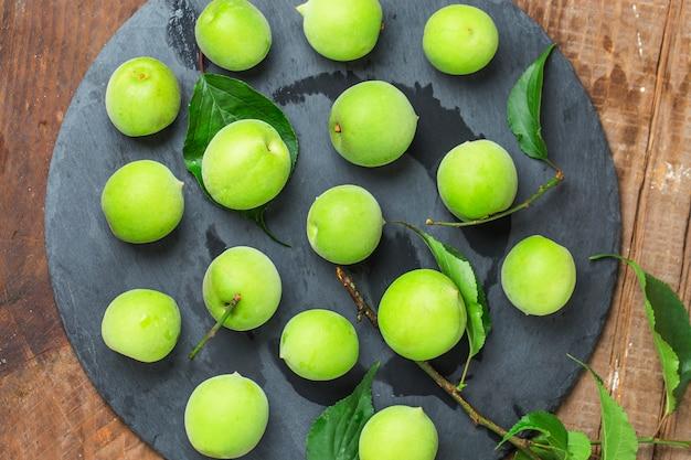 Green plum Free Photo