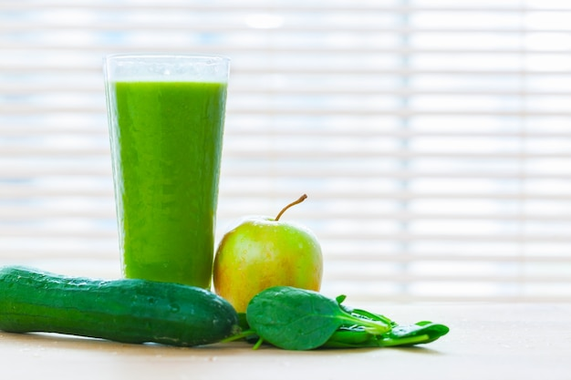 Green smoothie Free Photo