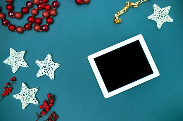Greeting card mock up template with christmas decorations. Free Photo