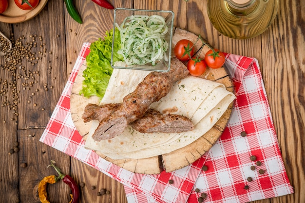 Grilled beef  meat kebabs Premium Photo