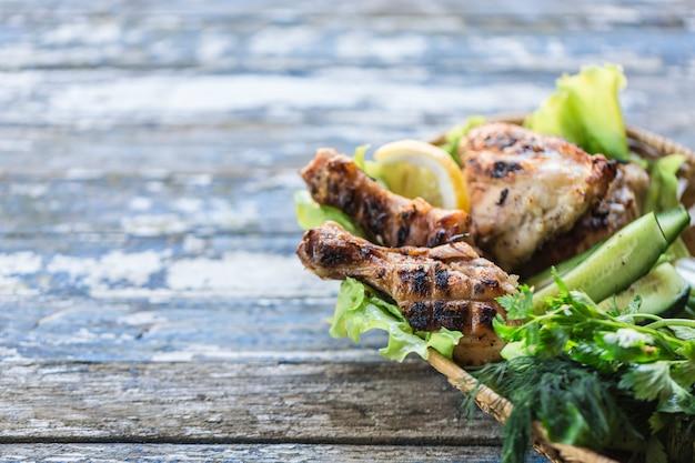 Grilled chicken Premium Photo