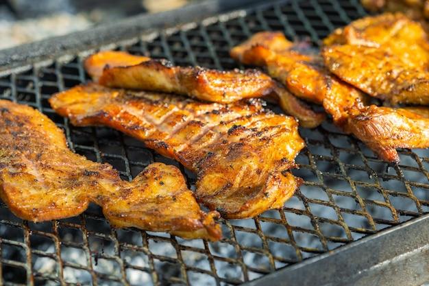 Grilled pork ribs Premium Photo