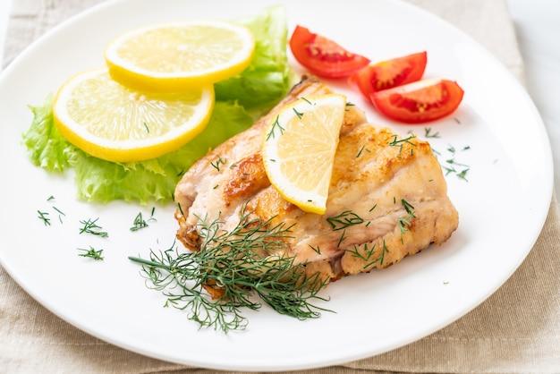 Grilled snapper fish steak Premium Photo