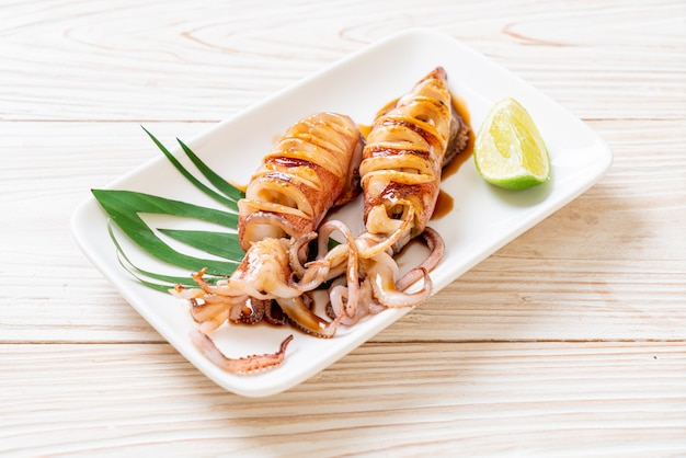 Grilled squid with teriyaki sauce Premium Photo