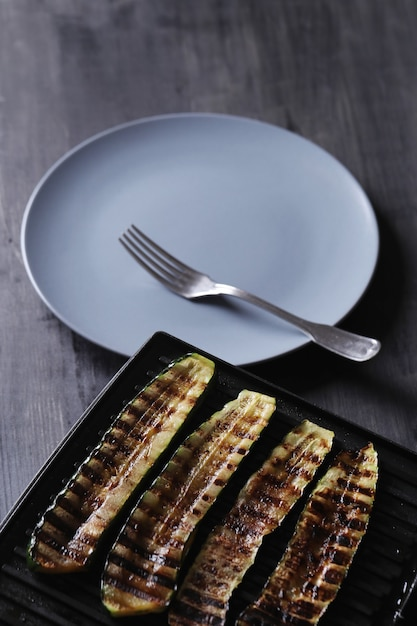 Verdure zucchine grigliate Foto Gratuite