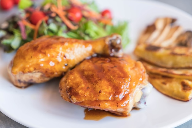 Grilles chicken steak with teriyaki sauce Free Photo