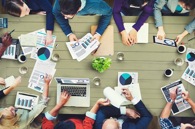 Group of business people having a meeting Premium Photo