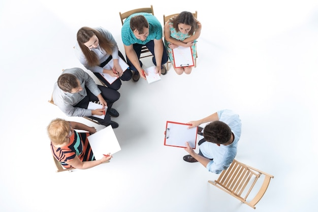 Group of business people in a meeting Free Photo