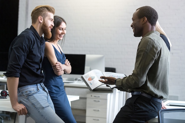 Group of business people working as team to find solution Free Photo