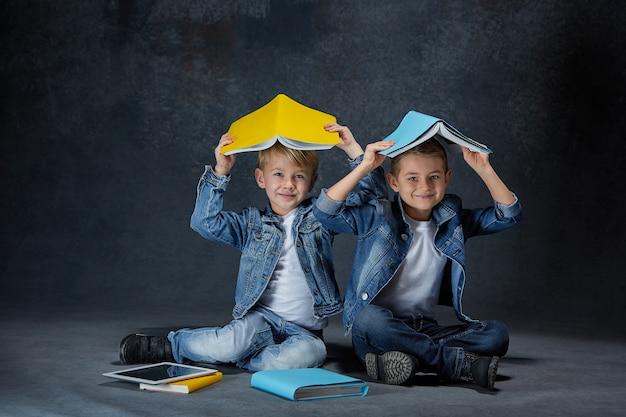 Group of children studio concept Free Photo
