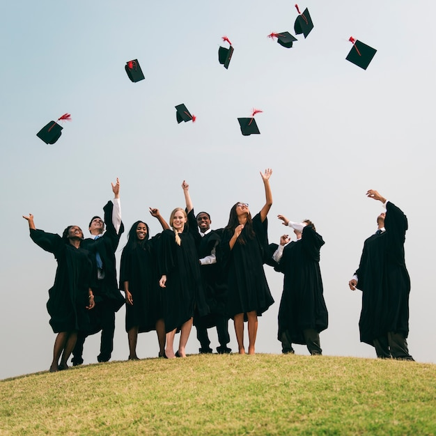 Group of diverse graduating students Premium Photo