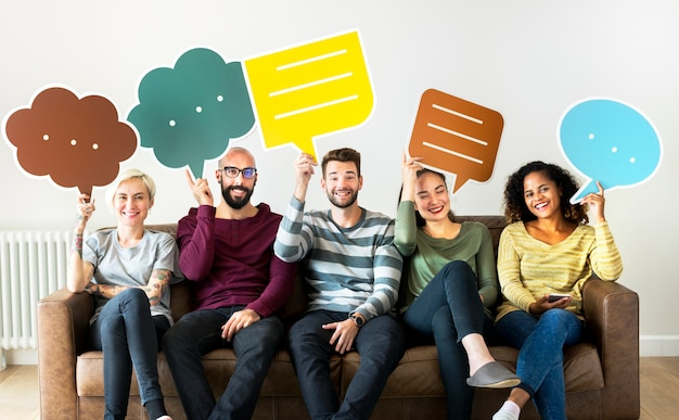 Group of diverse people with speech bubble icon Premium Photo