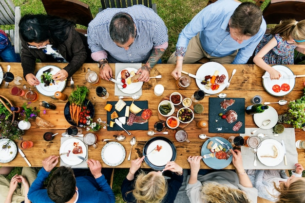 Group of people dining concept Premium Photo