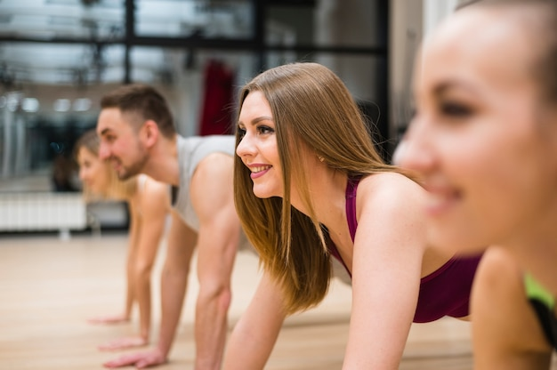 Group of people training at the gym Free Photo