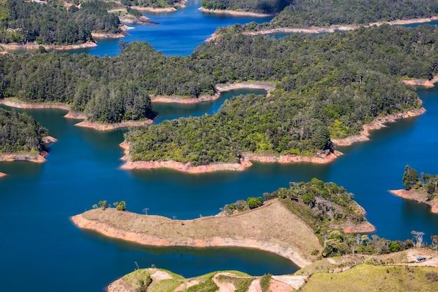 Guatape lake in antioquia, colombia Premium Photo