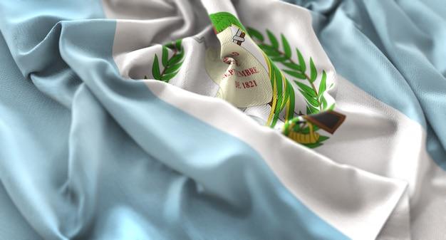 Bandiera guatemala increspato splendidamente ondeggiare macro close-up shot Foto Gratuite