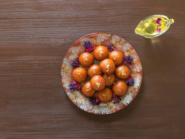 インドの伝統的な甘いgulab jamun Premium写真