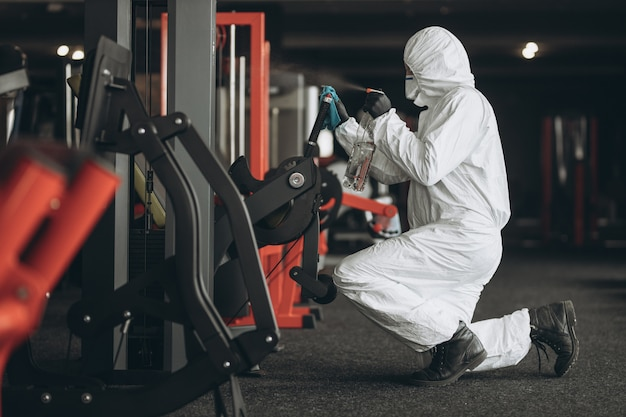 Premium Photo | Gym cleaning and disinfection